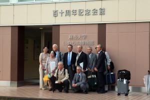 画像:いのちの博物館前-記念撮影