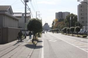 画像:正門から矢部駅方面